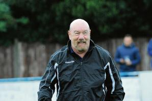 Billericay manager predicts a 'cracking game' against play-off hopefuls Kingstonian
